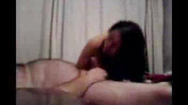 mujer madura con videos porno de pilladas reales niño (tragando)