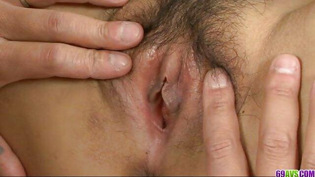 Desnudo Joven