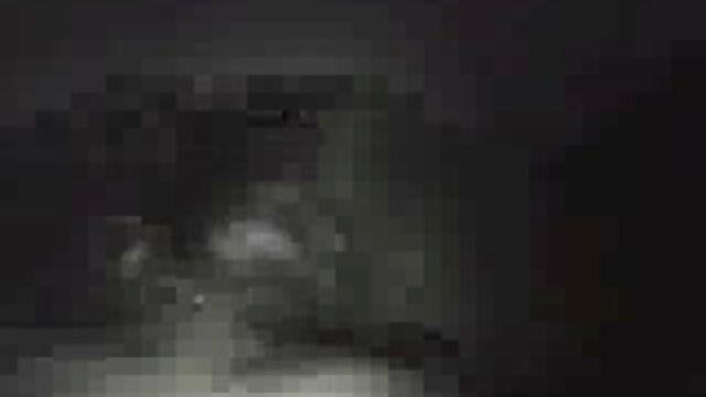 negro pequeñito videos de pillados en la playa follado