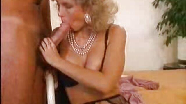 Caliente sexy chica inserta consolador profundamente en su jugoso videos de pilladas españolas coño