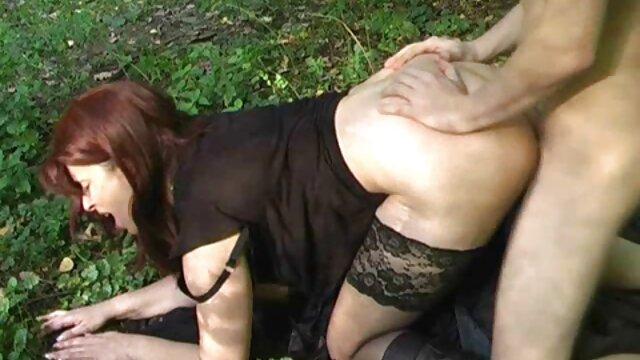 Damas tetonas juegan con sus tetas ferozmente en videos de torbe con maduras una sesión de realidad
